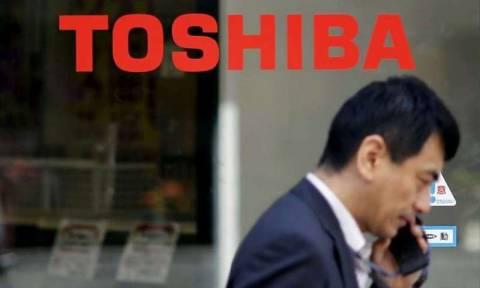 «Μαχαίρι» σε 7.000 θέσεις εργασίας ανακοίνωσε η Toshiba