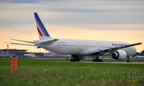 Υπό κράτηση ζευγάρι για ψεύτικη βόμβα σε αεροσκάφος της Air France