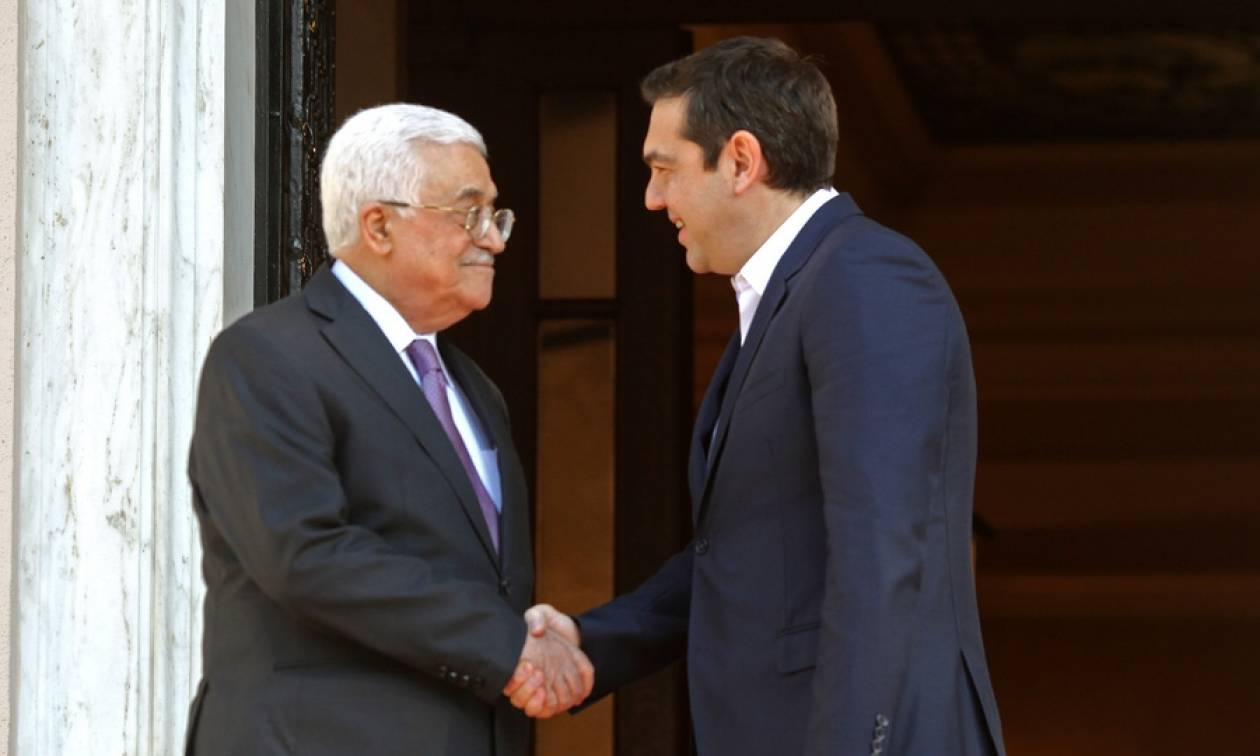 Τσίπρας σε Αμπάς: «Κλειδί» για την ειρήνευση η επίλυση του Παλαιστινιακού