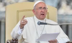 Πάπας Φραγκίσκος: Ζητώ συγγνώμη για τα σκάνδαλα που έλαβαν χώρα στο Βατικανό