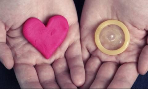 Το νέο υπερ-προφυλακτικό από νερό που καταπολεμά το AIDS και αυξάνει τη σεξουαλική ικανοποίηση