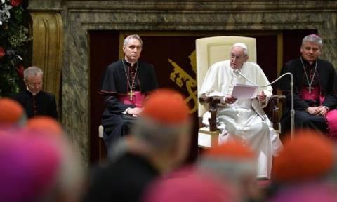Πάπας Φραγκίσκος: «Συγγνώμη για τα σκάνδαλα στο Βατικανό»