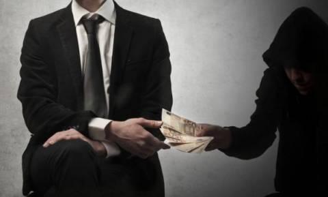 Τραπεζίτες: Ποιοι έπαιρναν δάνεια για ΕΝΦΙΑ και... σκάφη!