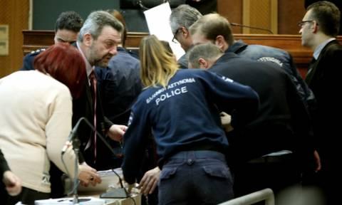 Δίκη Χρυσής Αυγής: Μάρτυρας κατέρρευσε κατά τη διάρκεια της κατάθεσης του