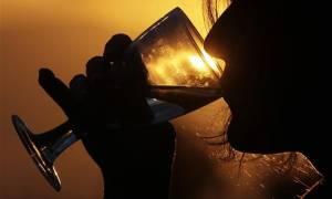 Διευκρινίσεις για τον ειδικό φόρο κατανάλωσης στο κρασί από το υπουργείο Οικονομικών