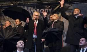 Ποιος είναι ο πρόεδρος της Τσεχίας που προκάλεσε τη ρήξη