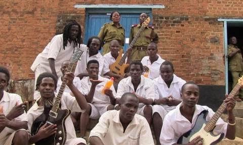 Ένα συγκρότημα κρατουμένων προτεινόμενο για βραβείο Grammy! (video)