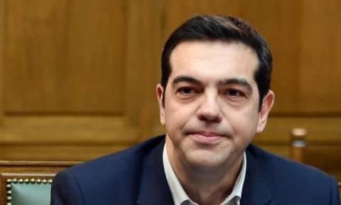 Επιμένει σε ανύπαρκτες κόκκινες γραμμές ο Τσίπρας: Δεν μειώνουμε τις συντάξεις