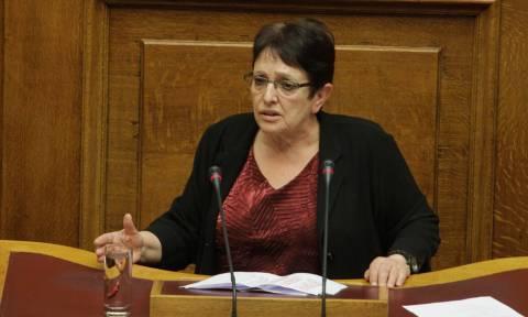 Βουλή: Όταν η Παπαρήγα «στόλισε» το Ποτάμι