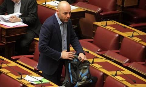 Το κατοστάρι του Αμυρά στο Κοινοβούλιο