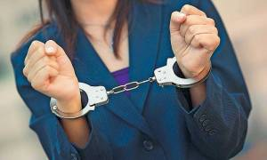 Θεσσαλονίκη: Συνελήφθη 47χρονη «μακρυχέρα» που έκλεψε 47.000 από ταμείο καταστήματος