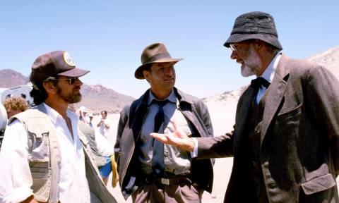Ο Στίβεν Σπίλμπεργκ θέλει να σκηνοθετήσει τον «Indiana Jones 5» πριν ο Φορντ «πατήσει» τα 80