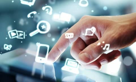 Στον κόσμο του διαδικτύου μπαίνουν οι τάξεις των γυμνάσιων και λυκείων στο Δήμο Ηρακλείου Αττικής