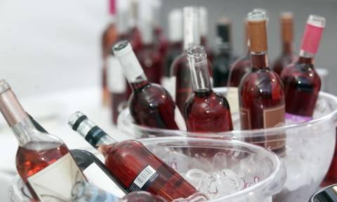 Προσοχή: Ποια ποσότητα ανά είδος ποτού «πιάνει» το ανώτατο επιτρεπτό όριο αλκοόλ στην οδήγηση