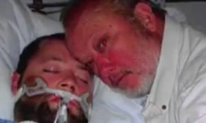 «Ανέστησε» τον εγκεφαλικά νεκρό γιο του απειλώντας τους γιατρούς με όπλο!