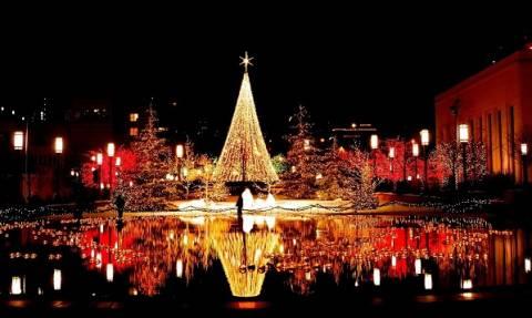 Χριστούγεννα με μηνύματα ελπίδας, αλληλεγγύης, ρεκόρ ζέστης, ανεμοστρόβιλους και πυρκαγιές (videos)