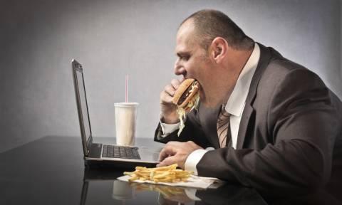 Πέθανε ο παχύτερος άνθρωπος στον κόσμο βάρους 444 κιλών (Vid)