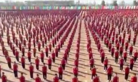 Τρομερό: Το μεγαλύτερο σχολείο πολεμικών τεχνών με 36.000 μαθητές (video)