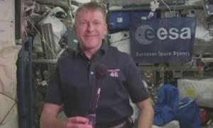 Αστροναύτης καλεί γη αλλά… με λάθος νούμερο