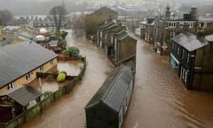 Βρετανία: Χάος στη Βόρεια Αγγλία από μεγάλες πλημμύρες (photos&vid)