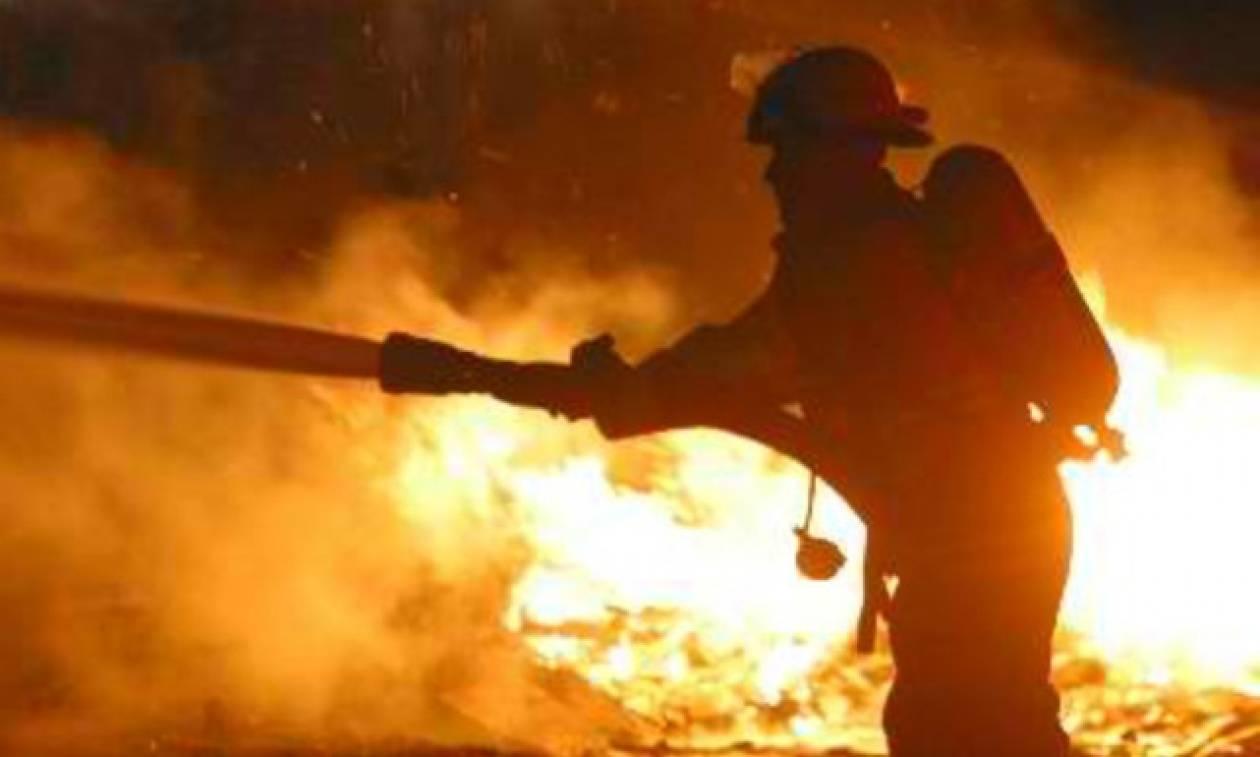 Μεγάλη πυρκαγιά απειλεί πετρελαϊκές εγκαταστάσεις στην Καλιφόρνια