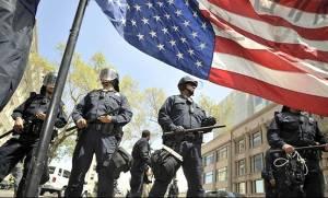 Οι αστυνομικοί στις ΗΠΑ σκότωσαν το 2015 σχεδόν 1.000 πολίτες!