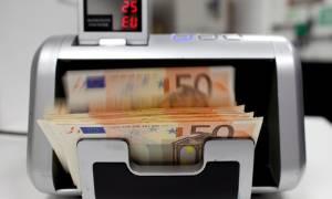 Φόρος στις τραπεζικές συναλλαγές για να μην κοπούν οι συντάξεις