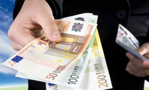 Επίδομα 1000 ευρώ: Ποιοι το δικαιούνται – Την Τρίτη η καταβολή του