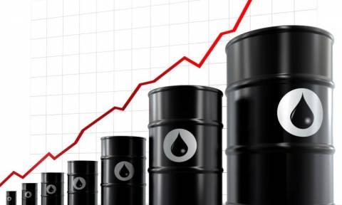 Φορολογικό success story: Η τιμή του πετρελαίου πέφτει αλλά στην Ελλάδα το πληρώνουμε πανάκριβα!