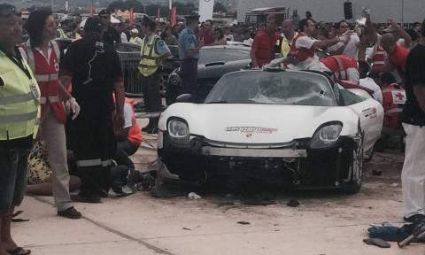 Σοκαριστικό ατύχημα: Εκατομμυριούχος έπεσε με supercar πάνω στους θεατές (video)