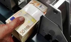 «Δυσάρεστα» τα διδάγματα από τις χώρες που επέβαλαν φόρο στις τραπεζικές συναλλαγές