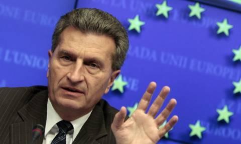 Φόβους για μια αποσύνθεση της ΕΕ εκφράζει ο Έτινγκερ