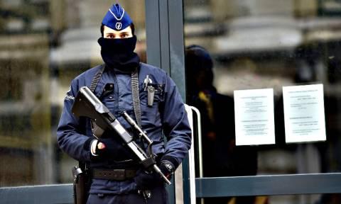 Έρευνα για σεξουαλικό όργιο με στρατιώτες και αστυνομικίνες σε τμήμα των Βρυξελλών