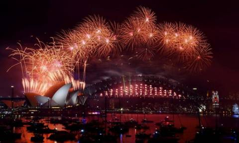 Πρωτοχρονιά 2016: Με φαντασμαγορικό τρόπο υποδέχθηκε το νέο έτος η Αυστραλία (photos)