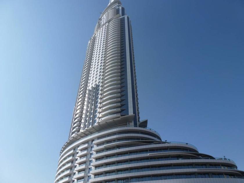 Μεγάλη φωτιά σε πεντάστερο ξενοδοχείο στο Ντουμπάι (photos - videos)