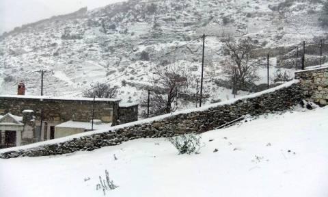 Κακοκαιρία: Ποδαρικό με χιόνια στα νησιά έκανε το 2016! (photos + videos)