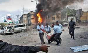 Σομαλία: Βομβιστής αυτοκτονίας σκότωσε 3 ανθρώπους σε εστιατόριο