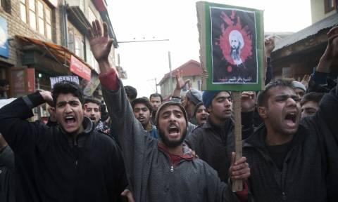 Ανεξέλεγκτες εκδηλώσεις οργής εξαπλώνονται στη Μέση Ανατολή (Pics & Vids)