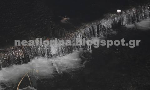 Φλώρινα: Πάγωσε ο ποταμός Σακουλέβας – Στους -4 ο υδράργυρος (photos)