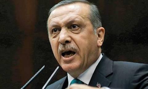 «Τεντώνει το σχοινί» με τους Κούρδους ο Ερντογάν
