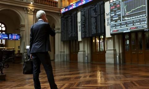 Χρηματιστήρια: Η «άτακτη φυγή» της Κίνας «έφτασε» στην Ευρώπη