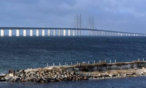 Κλείνει γέφυρα εισόδου προσφύγων η Σουηδία σε όσους δεν έχουν «χαρτιά»