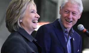 Ο Μπιλ Κλίντον προωθεί τη Χίλαρι με τον… έρωτά τους!