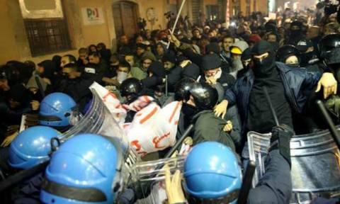 Ρώμη: Συγκρούσεις αστυνομικών με καταληψίες που διαμαρτύρονται για τις εξώσεις