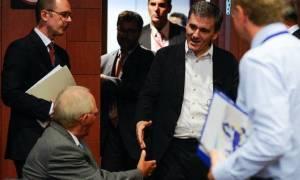 Για την επικείμενη αξιολόγηση και το χρέος θα συζητήσουν Τσακαλώτος και Σόιμπλε