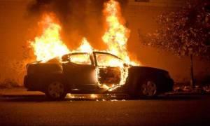Полиция Кипра расследует причины возникновения пожара на автостоянке