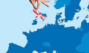 Πολιτικός σεισμός: Οι Βρετανοί επιλέγουν έξοδο από την ΕΕ