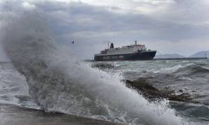 Κανονικά τα δρομολόγια πλοίων από Πειραιά και Ραφήνα - Στην κρίση κάθε πλοιάρχου αυτά στο Λαύριο
