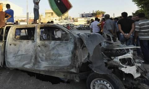 Λιβύη: Επτά νεκροί από παγιδευμένο αυτοκίνητο σε λιμάνι