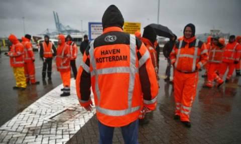Ολλανδία: Οι λιμενεργάτες στο Ρότερνταμ κήρυξαν την πρώτη απεργία μετά από 13 χρόνια